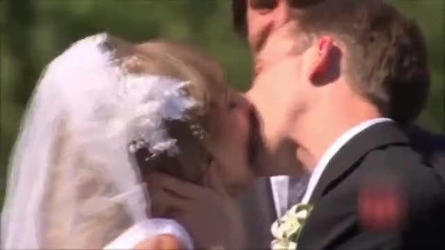 《妹子接吻花样出糗集锦》