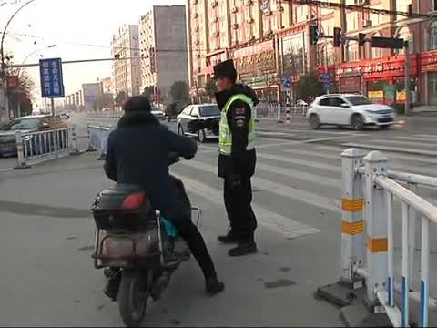 闯红灯等交通违法行为将在大屏幕上播放