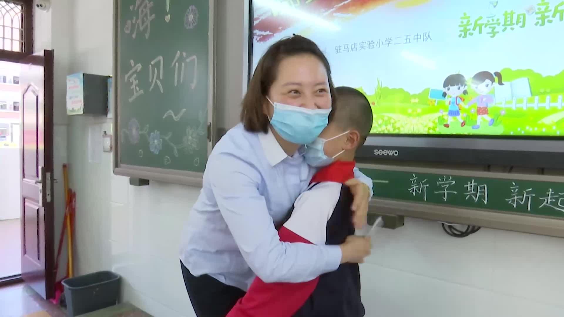 """【短視頻】小""""神獸""""歸籠:一份""""遲來""""的祝福"""